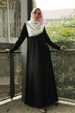 Arianna Al-Madinna Jubah - Black