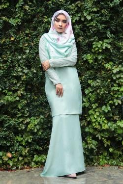 Arianna Al-Madinna Kurung - Light Green