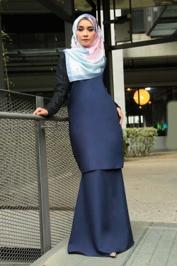 Arianna Al-Madinna Kurung - Navy Blue
